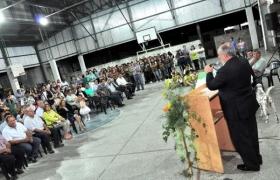 SANTA LUCIA: Colombi inauguró estadio parroquial y anunció la recuperación del Santuario