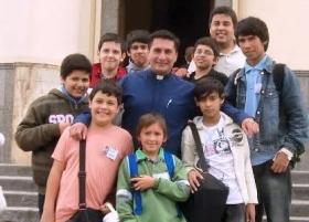 SOCIALES: HOY CUMPLE AÑOS EL SACERDOTE ARIEL GIMENEZ
