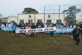 DEPORTES EN GOYA: Más de 200 chicos de diferentes escuelas participaron de la Mini Copa América Centenario